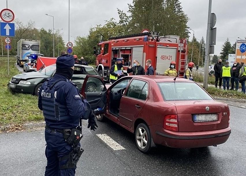 Śmiertelny wypadek w Jaworznie. Na DK79 zderzyły się audi i...