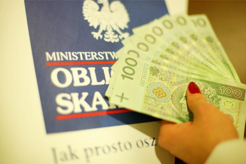 Premiowa Obligacja Skarbowa 2018. Polacy kupują i czekają na losowanie premii