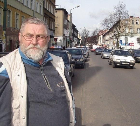 Stargardzcy taksówkarze są przeciwni zwiększaniu limitu na licencje. – Ten rynek jest już nasycony – mówi Eugeniusz Wróblewski, taksówkarz z 30-letnim stażem.