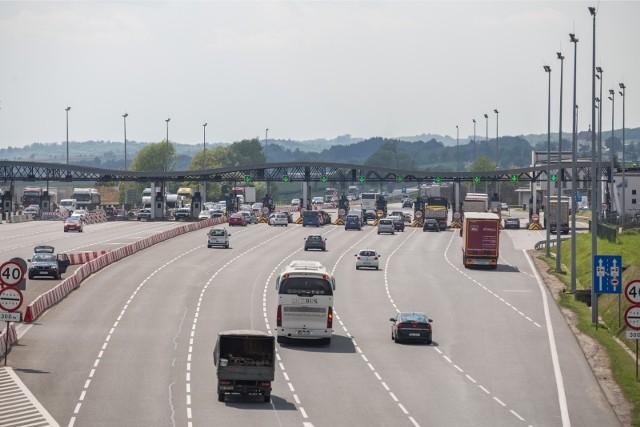 W I kwartale 2021 roku średnie natężenie ruchu na autostradzie Katowice-Kraków spadło o 9,8 proc. w stosunku do I kwartału 2020 roku i wyniosło 34 tys. pojazdów na dobę. Pomimo tego przychody Grupy Kapitałowej Stalexport Autostrady osiągnęły w tym okresie ok. 73 mln zł, tj. poziom zbliżony do ubiegłorocznego.