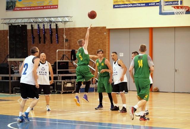 Świecka Amatorska Liga Koszykówki (półfinały)W ŚALK rozegrano półfinały