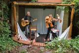 Poznań: We własnym ogrodzie postanowili stworzyć… teatr dla dzieci