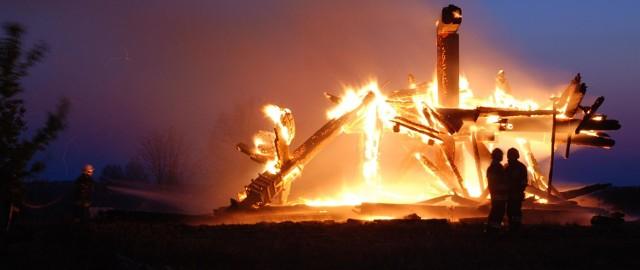 Zdjęcia na nto24@nto.pl z miejsca pożaru przysłali Thomas Klein i Karina Goryla.