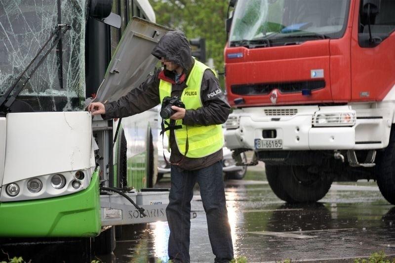 Ul. Branickiego. Wypadek autobusu BKM