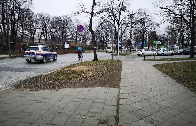Wzdłuż ulicy Suchej we Wrocławiu powstaną ścieżki rowerowe.