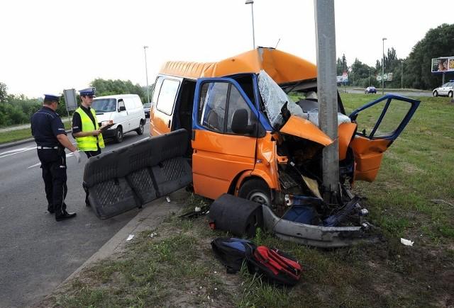 Wypadek busaWypadek busa na ul. Eskadrowej w Szczecinie.