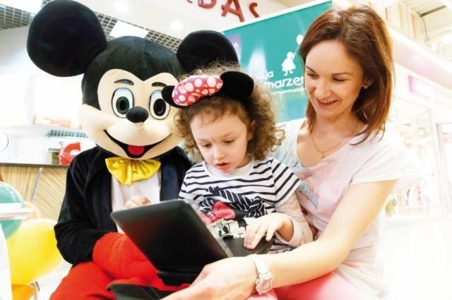 4-letnia Natalka uwielbia Myszkę Miki. Dzięki DVD będzie mogła ją oglądać, kiedy tylko zechce.