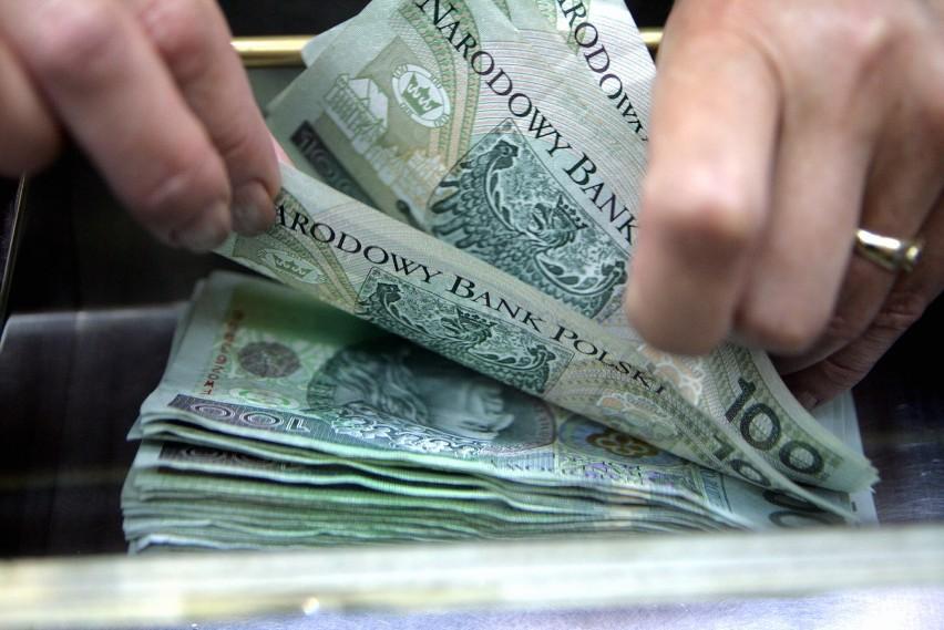 VAT trzeba zapłacić nawet, jeśli klient nie zapłacił za towar. To zdaniem przedsiębiorców największy absurd w polskim prawie.