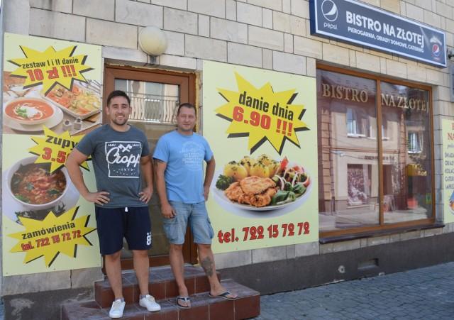 Od prawej: Na zdjęciu Bartosz Lewandowski – współwłaściciel oraz Kamil Latocha.
