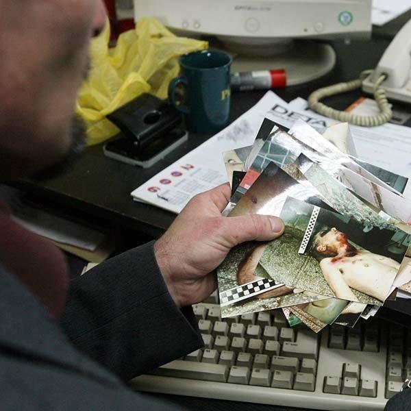 Zdjęcia znalezione na śmietniku przejęła sekcja dochodzeniowo-śledcza Komendy Miejskiej Policji w Rzeszowie, która prowadzi dochodzenie w tej sprawie