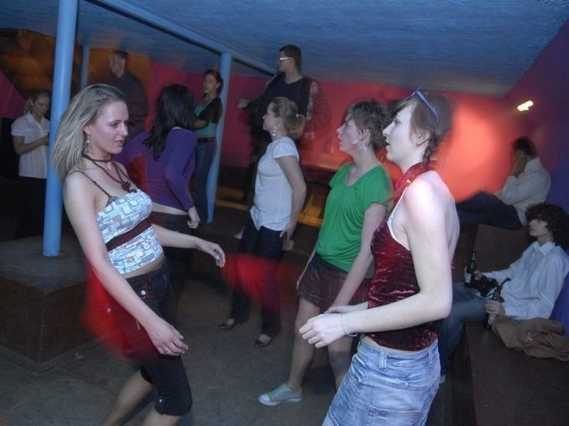 Zdjecia z imprezy karaoke (1 maja) w slupskim klubie Marylin Monroe.