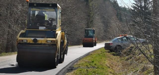 Remonty dróg na terenie gminy Tuchomie