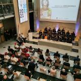 Uniwersytet Artystyczny w Poznaniu zainaugurował rok akademicki 2021/2022. Patronką uczelni została Magdalena Abakanowicz