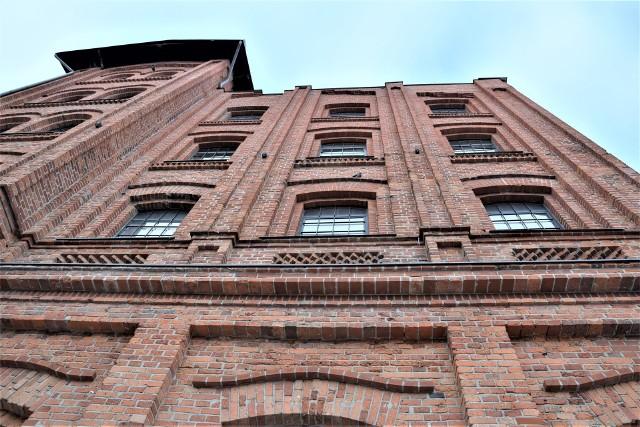 Był Polon, są mieszkania. Tak zmieniały się dawne pofabryczne budynki w centrum Zielonej Góry.