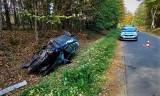 Pijany kierujący fordem dachował. 21-latek nie miał uprawnień i był pod wpływem kokainy