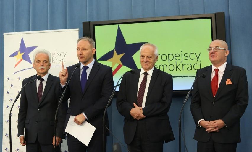 Stanisław Huskowski, Jacek Protasiewicz, Stefan Niesiołowski dołączą do Partii Demokratycznej, która zmieni swą nazwę na Unię Europejskich Demokratów