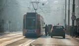 Smog dusi mieszkańców Krakowa. Będzie darmowa komunikacja miejska