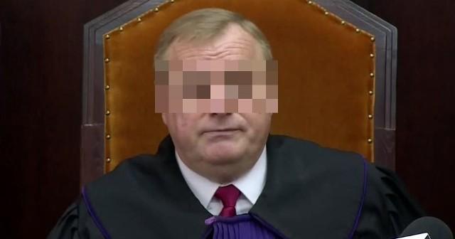 Sędzia Robert W. został zawieszony w obowiązkach. Nie przyznaje się do winy