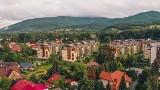 Ustroń to Miasto położone w malowniczej dolinie rzeki Wisły, pomiędzy górami Czantorią i Równicą