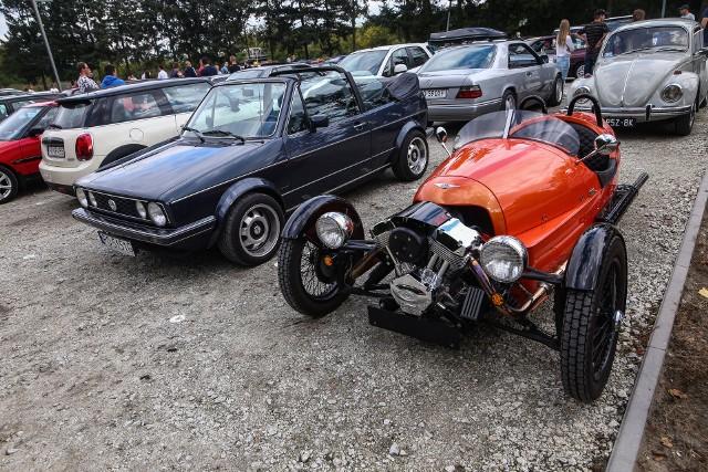 Klasyczne samochody na poznańskich ulicach.Kolejne zdjęcie --->