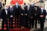 Nagrodzono najbardziej zasłużonych mieszkańców województwa śląskiego. Odznaczenia wręczali wojewoda i zastępca szefa Kancelarii Prezydenta