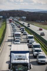 Autostradą Kraków-Rzeszów wciąż będziemy jeździć za darmo