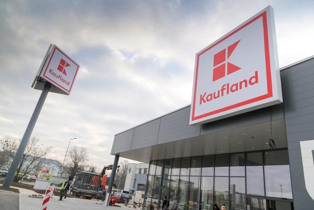 Kaufland w grudniu 2020 - godziny otwarcia w wigilię, święta, sylwestra i Nowy Rok.