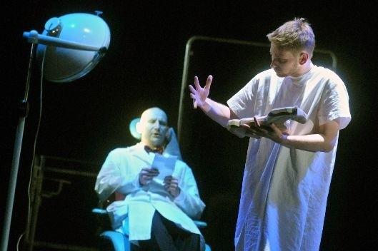 Delikatnego Kaspara Hausera zagrał Dawid Rafalski