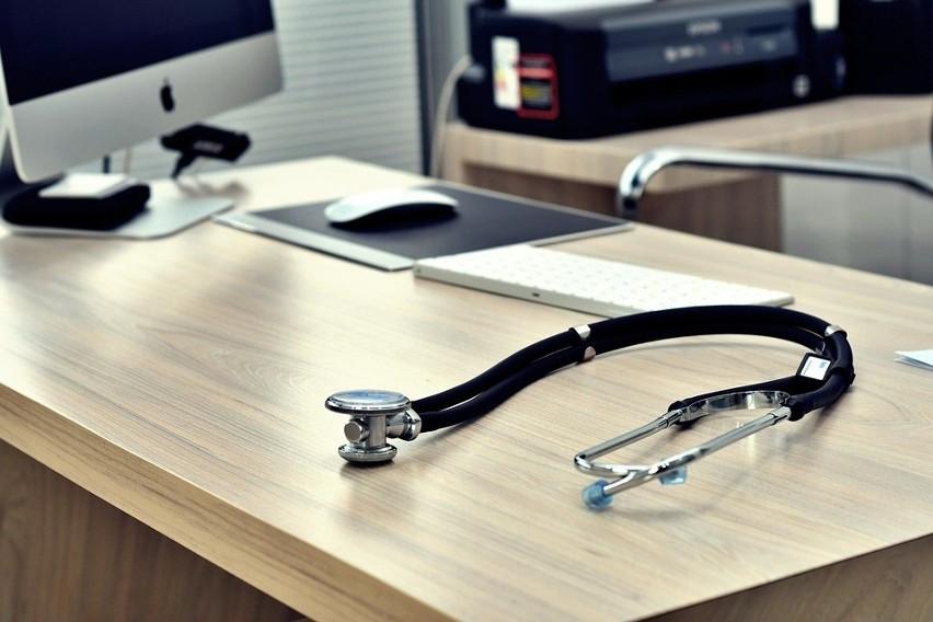 Lekarze to jedna z grup zawodowych, która późno przechodzi...