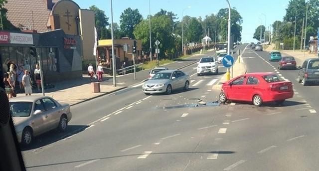 W poniedziałek, około godz. 15, na skrzyżowaniu ulic Raginisa i Wysockiego doszło do wypadku.Zdjęcie pochodzi z fanpejdża Kolizyjne Podlasie