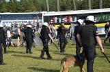 Bójka na meczu Pogoni Lębork z Gwardią Koszalin. 3 policjantów rannych [ZDJĘCIA]