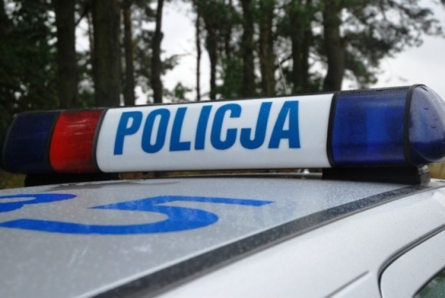Pijany mężczyzna ugryzł policjanta w nogę podczas interwencji w Sztumie