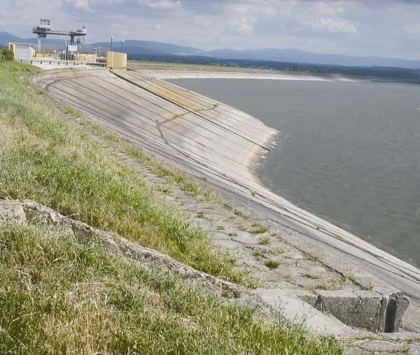 Remont nyskiej zapory ma się rozpocząć za 1,5 roku, rząd przeznaczy na to 246 mln złotych.