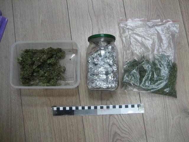 Znaleziona przez policjantów marihuana.