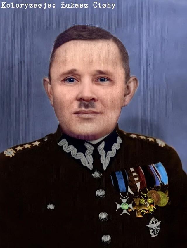 Władysław Wiecierzyński był dowódcą 55 Poznańskiego Pułku Piechoty w latach 1935-1939.