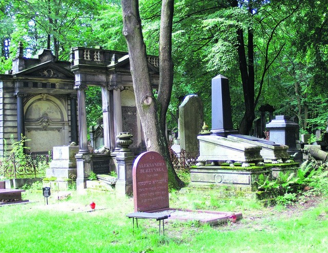 Cmentarz żydowski jest jednym z miejsc najczęściej odwiedzanych przez zagranicznych turystów.