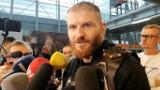 """Jan Błachowicz wrócił do Polski z pasem UFC. """"Nie myślę o kolejnej walce. Cieszę się tym, co zdobyłem"""""""