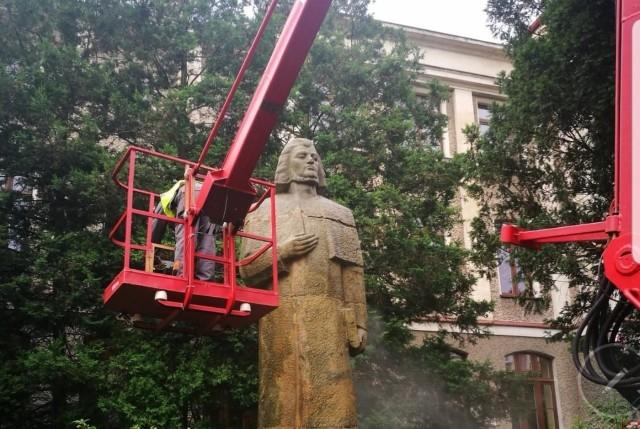 Pomnik Adama Mickiewicza w Kluczborku