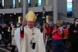 Abp Marek Jędraszewski miał kontakt z zarażonym koronawirusem abp Wiktorem Skworcem. W sobotę odprawiał mszę w Łagiewnikach [ZDJĘCIA]
