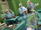 Ostrów Maz. Studenci Warszawskiego Uniwersytetu Medycznego będą się uczyć z wykorzystaniem jedynego w Polsce robota ortopedycznego Navio
