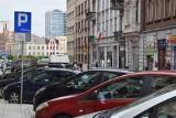 Strefa Płatnego Parkowania w Katowicach: od 4 września za postój zapłacimy aplikacją i kartą płatniczą. Z ulic znikają inkasenci, rosną kary