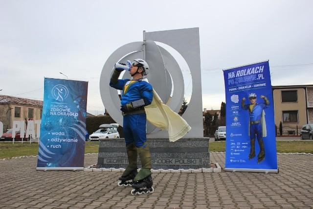 Adam Gołąb bije rekord Guinessa – chce przejechać 9 tys. kilometrów na rolkach, aby pomóc Tomkowi i Gosi