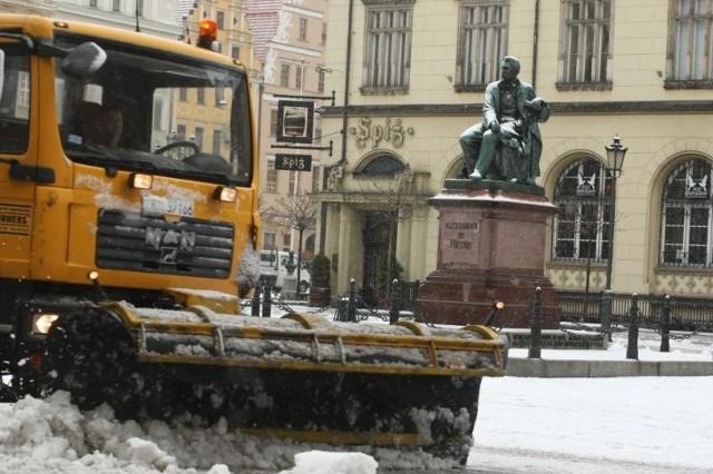 Pieniądze zaoszczędzone zimą, Wrocław wyda na letnie sprzątanie