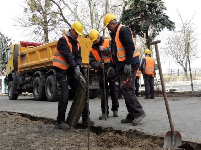 Prace na ul. Poznańskiej rozpoczęły się w minionym tygodniu. Utrudnienia dla kierowców potrwają tam do końca maja