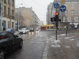 Ulice w Łodzi, na których autobusy uszkadzają hamulce i podwozie. Skarżą się MPK i pasażerowie. ZDJĘCIA