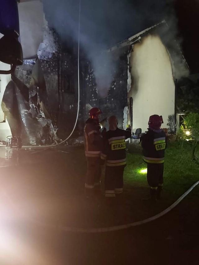 Nocny pożar domu w Tyńcu