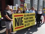 Nie chcą planów miejscowych! Mieszkańcy Wzniesień Łódzkich protestowali przed UMŁ. Kolejny protest będzie w Nowosolnej
