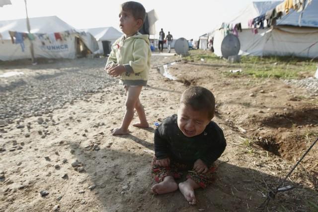 - Nadchodzi zima, a dzieci nie mają butów, ciepłej odzieży - alarmuje nasz fotoreporter Krzysztof Kapica, który przebywa w irackim Kurdystanie.