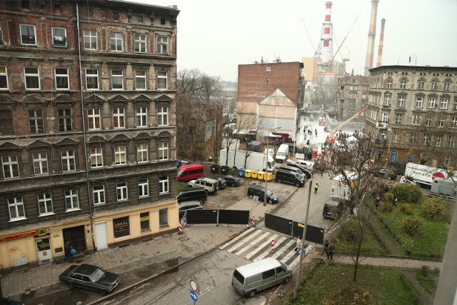 """Zamknięta ulica Kurkowa podczas kręcenia filmu """"Most szpiegów"""" Stevena Spielberga."""