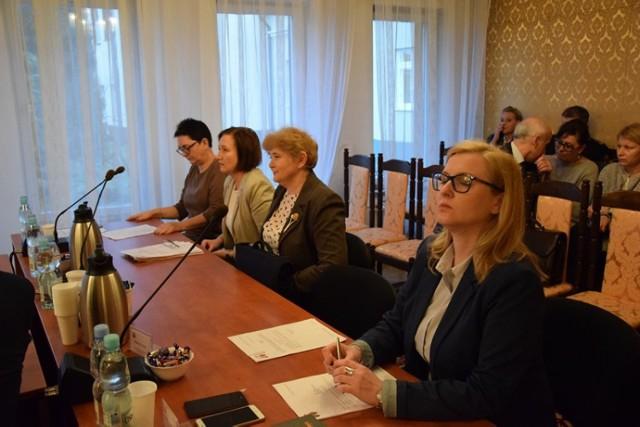 Miejscy radni na nadzwyczajnej sesji poprawili budżet Zduńskiej Woli na 2018 r.